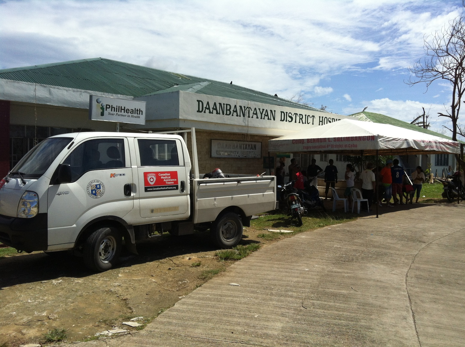 The CMAT Assessment team stops at Daanbantayan District Hospital in northern Cebu, to assess the infrastructure and damage caused by Typhoon Yolanda (Haiyan)